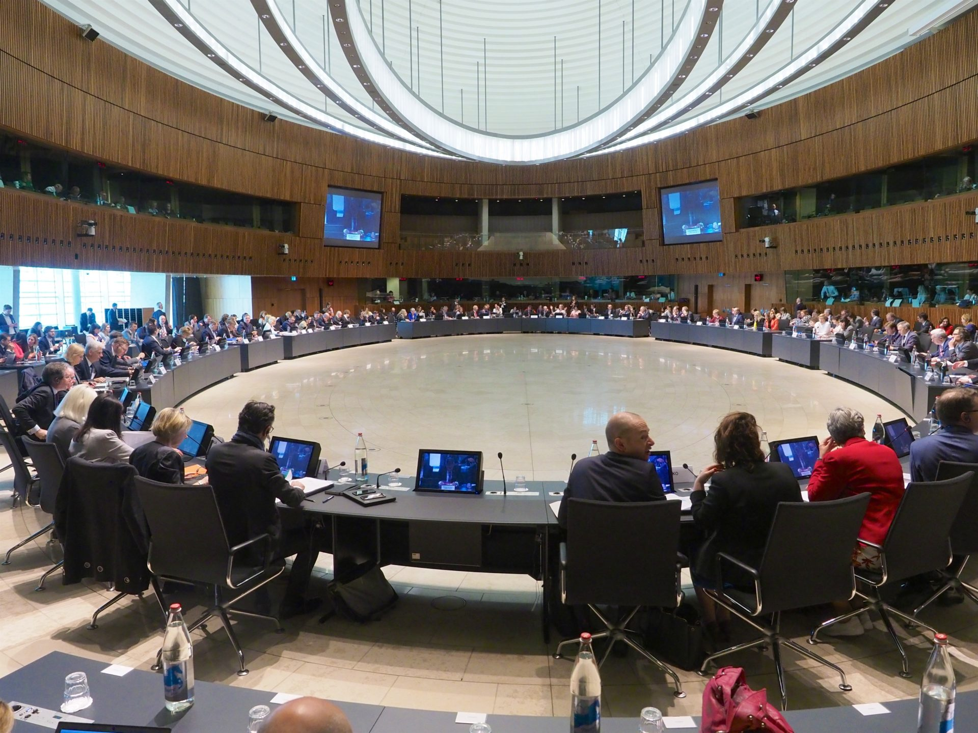 The European Semester and the Equal Treatment Directive, the main issues discussed at the EPSCO meeting in Luxembourg
